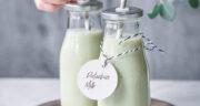 طرز تهیه شیر پسته مخصوص و خوشمزه خانگی با بستنی و عسل
