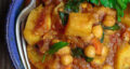 طرز تهیه خوراک سیب زمینی ساده و رژیمی با قارچ و گوجه