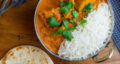 طرز تهیه باتر چیکن هندی با ماست و سس خامه همراه با برنج