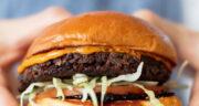 طرز تهیه همبرگر لوبیا قرمز و قارچ [گیاهی] خوشمزه و بدون گوشت