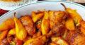 طرز تهیه خورش گلابی زعفرانی و خوش طعم با مرغ و رب گوجه